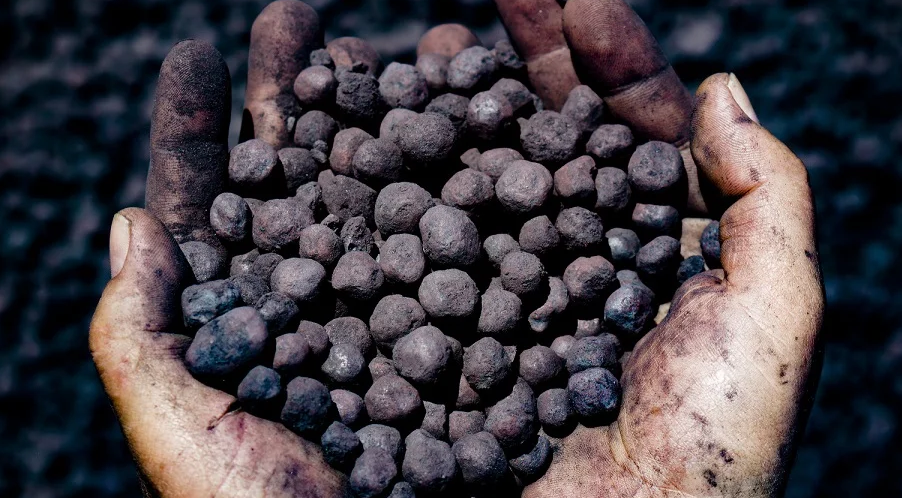 Iron ore pushes higher on steel demand as global supply in focus